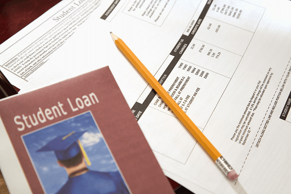 Income Share Agreements Vs. Student Loans - Which is Better
